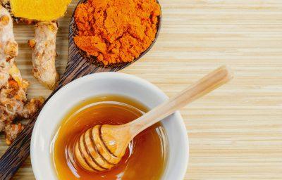 5 cách đắp mặt nạ mật ong và nghệ
