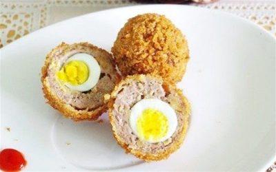 giò sống bọc trứng cút chiên xù