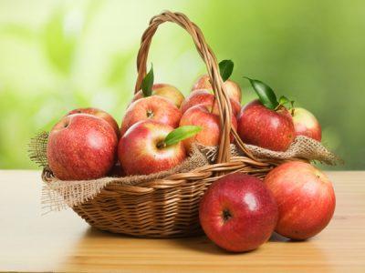 chọn mua táo ngon