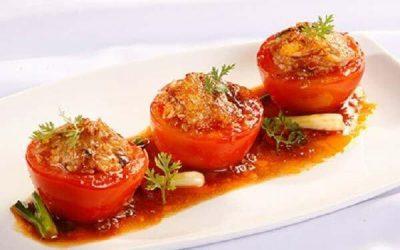 thịt lợn băm nhồi cà chua