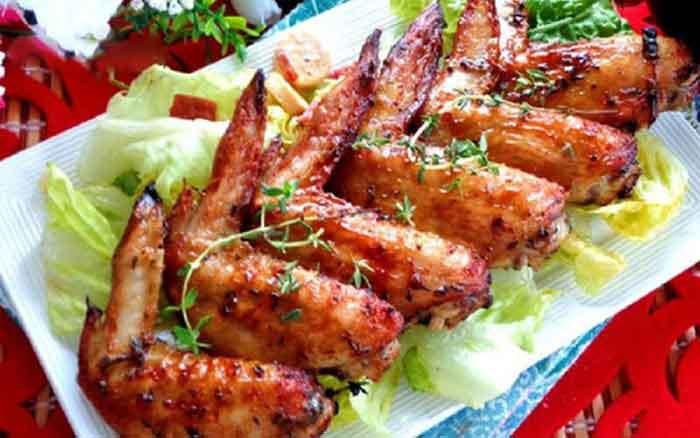Cánh gà nướng lá thyme