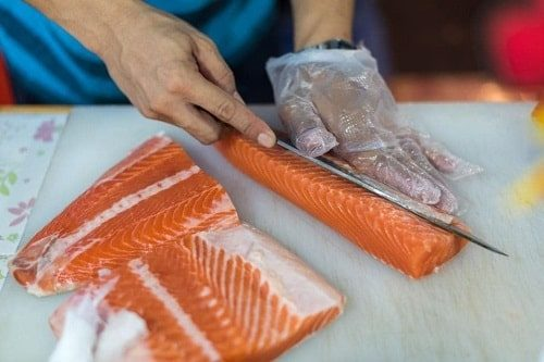 lưu ý khi sơ chế cá hồi