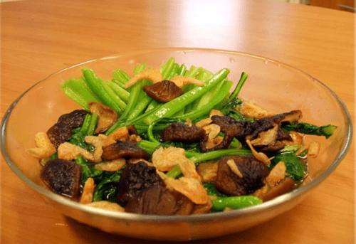 cải xanh xào nấm tôm khô