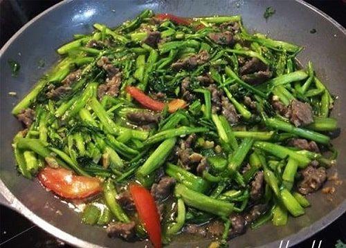 thịt bò xào rau cần