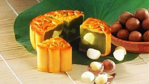 Bánh trung thu trà xanh hạt Macca