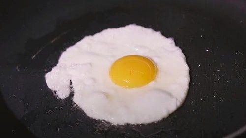 Trứng ốp la - món ngon dễ làm từ trứng