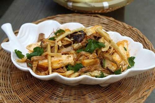 Hướng dẫn cách làm món măng khô xào thịt ngon cho cả gia đình